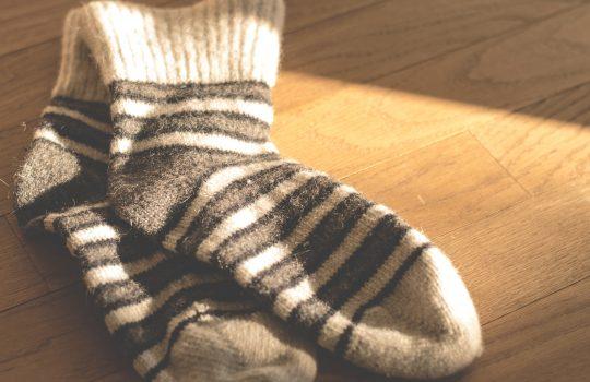 Zeit + Wollreste = bunte Socken