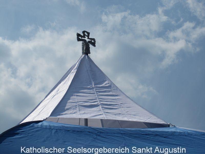 Bild: Marcus Tannebaum, Kreuz auf der Himmelszeltkapelle
